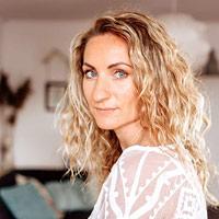 Friederike Alice - Medium, Dozentin an der Akademie ganz normal medial