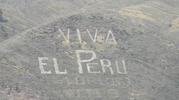 Viva El Peru - Aufschrift auf einem Berg rund um Cusco